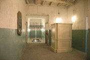 Flavio-Favelli-Vermut-Hall-foto-di-FondazioneVOLUME-courtesy-Fondazione-VOLUME-004.jpg